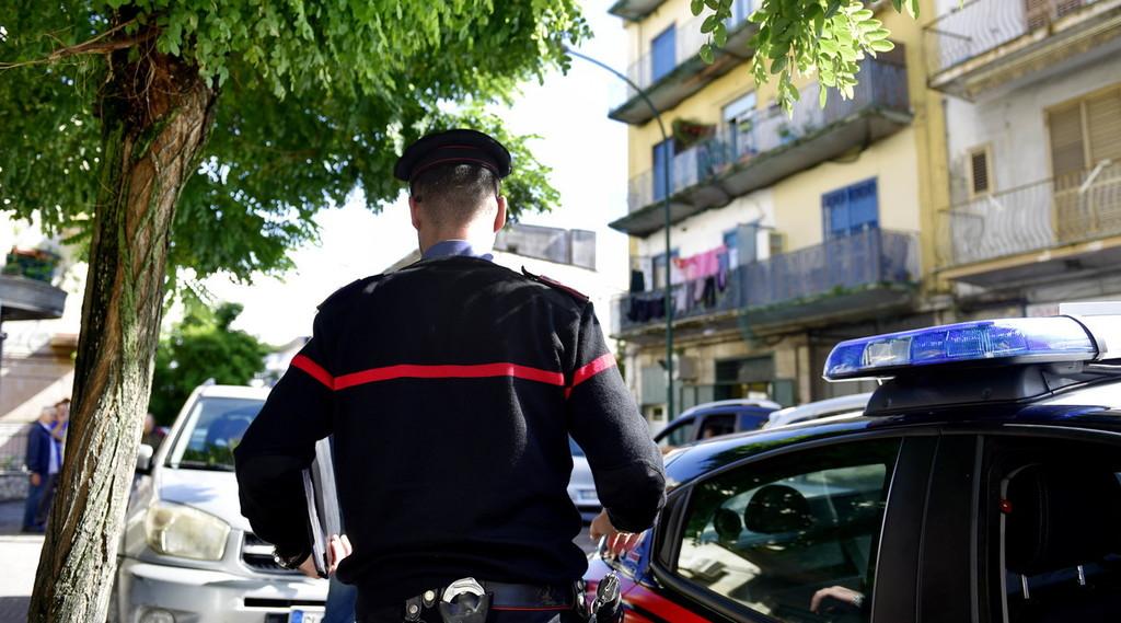 O momento de distração.  Horror em Nápoles, rumores da promotoria: como e quando ele jogou o bebê da varanda
