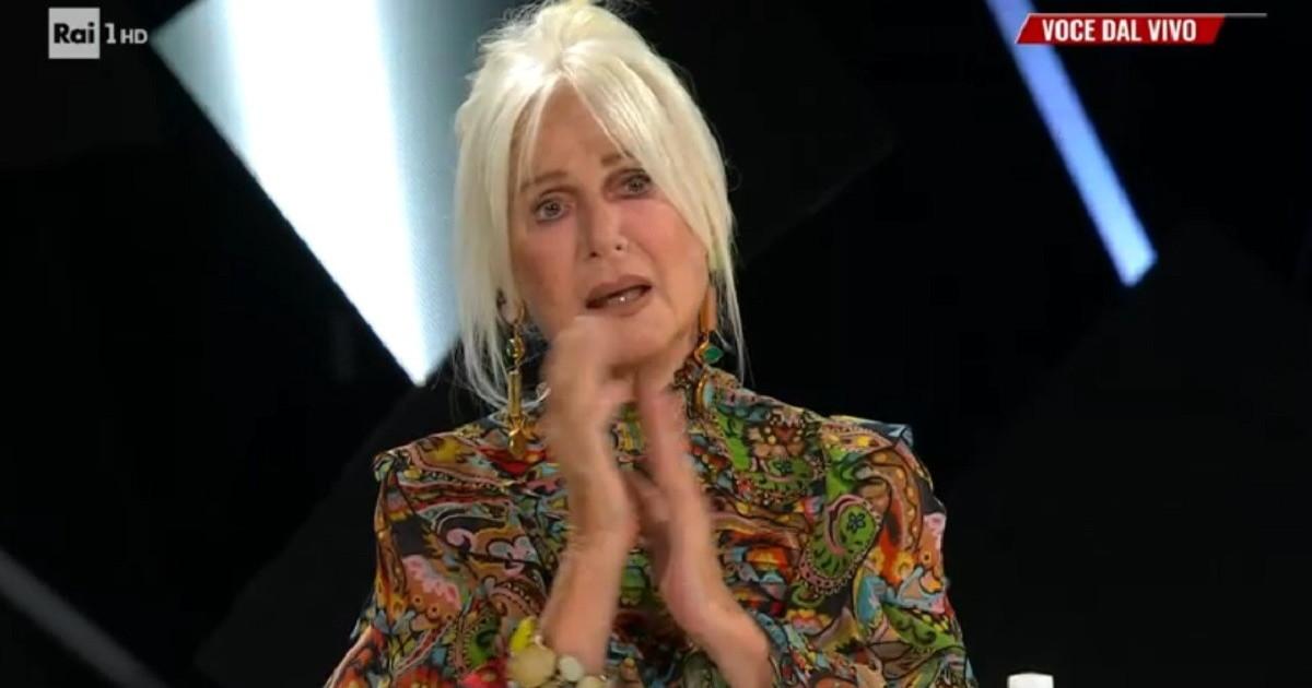 Loretta Goggi piange e Carlo Conti deve interrompere subito l'esibizione: crollo emotivo a Tale e quale show
