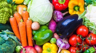 Vegetables contaminated with pesticides.  Health risks: which food (loved) to watch out for
