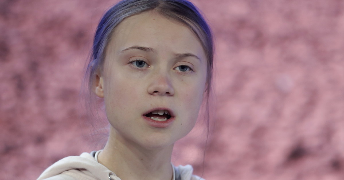 Semi illiterate, but what are you talking about?  Horror of the policewoman without a green pass: insults Greta Thunberg.  Thereafter...