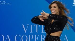 Fuorionda imbarazzante per Elisabetta Canalis, cosa le esce di brocca: demolito il suo stesso programma   Video