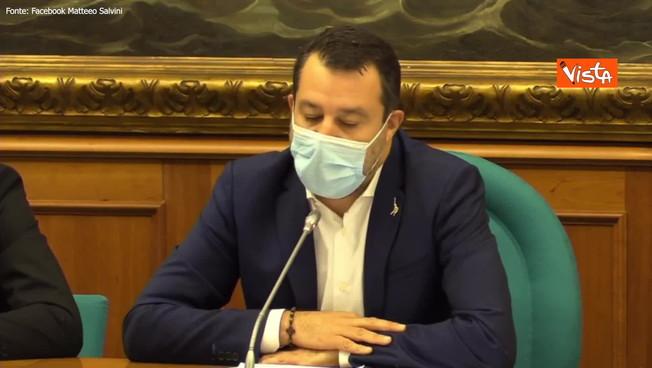 'Le mie richieste a Mario Draghi': l'assalto di Matteo Salvini al reddito di cittadinanza