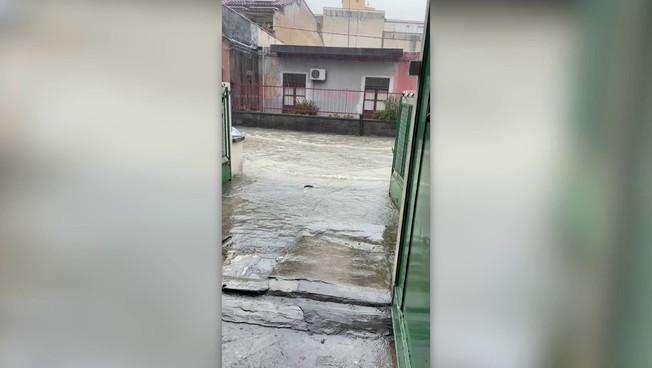 Maltempo, Catania invasa dall'acqua