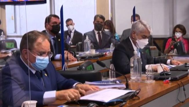Brasile, commissione accusa Bolsonaro di crimini contro l'umanità
