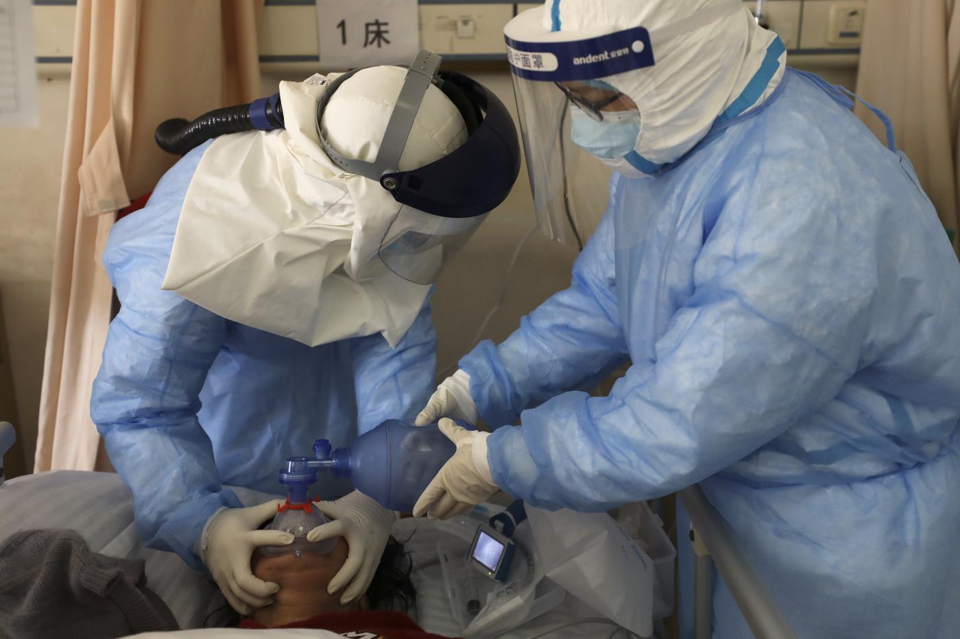 Coronavirus: docufilm ECM anti-psychose et fausses nouvelles pour les médecins et les patients